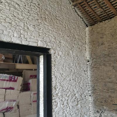 Badigeon à la chaux dans un atelier - Ille et Vilaine (35)