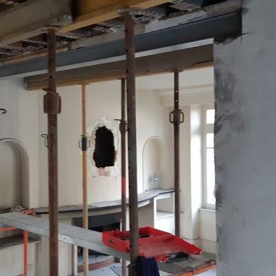 Rénovation d''une maison : ouverture sur mur porteur - Saint-Malo (35)