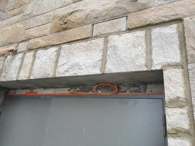 Raccord en pierres de taille sur façade du Grand Palais - Saint-Malo 726893465240130250968233262364781884997632n