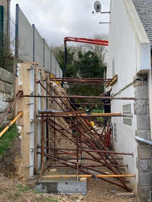 Coulage d'un mur de soutènement - Dinard img1474