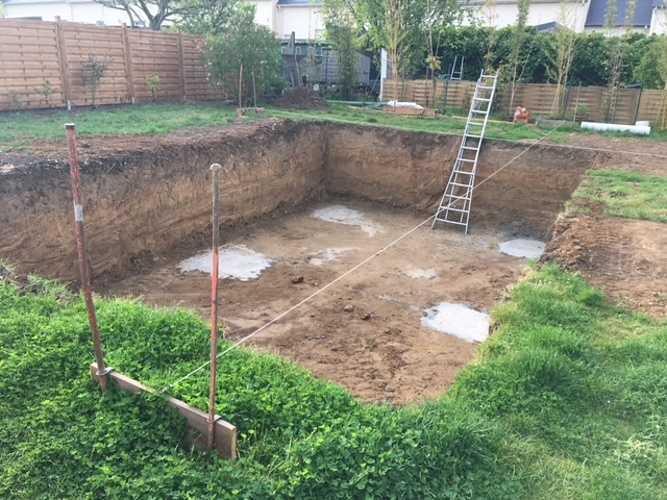 Création d''une piscine béton préfabriquée 2