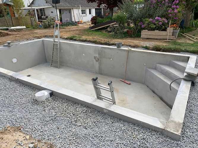 Création d''une piscine béton préfabriquée 5