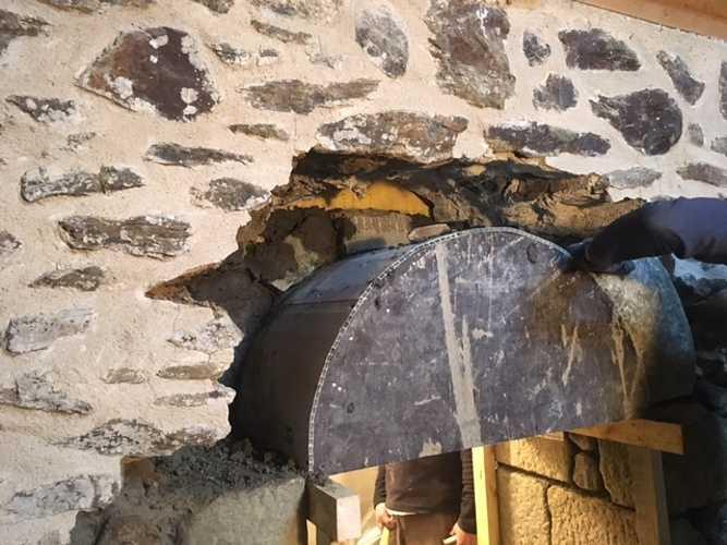 Création de percement dans mur pierre img1267
