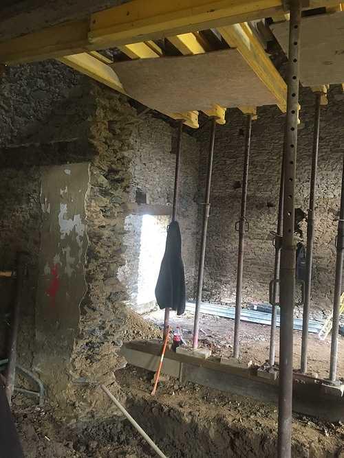 Rénovation de l''extension d''une maison en pierre 0