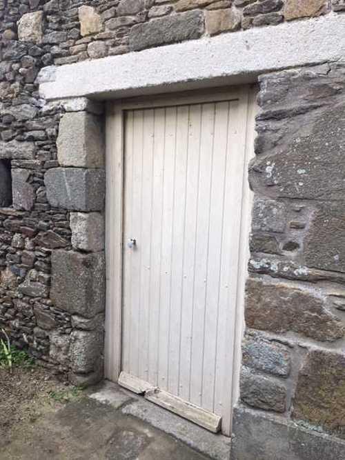 Remplacement de linteau bois par un linteau béton bouchardé et percement mur- Pleurtuit img2146