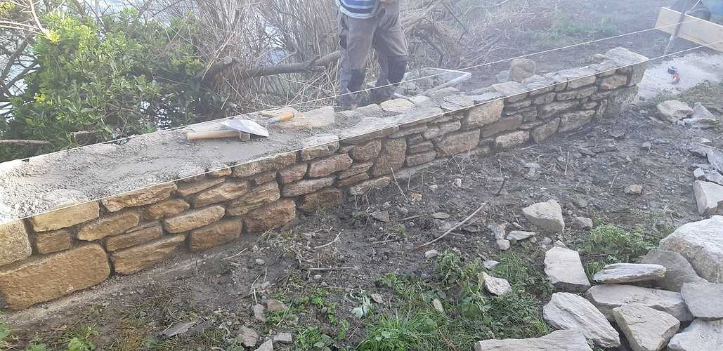 Construction muret Pierre à l''ancienne avec joints à la chaux 20180418093145